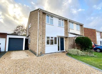 Thumbnail 3 bed property for sale in Chatsworth Avenue, Winnersh, Wokingham, Berkshire