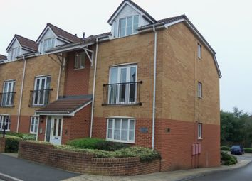 Thumbnail 2 bedroom flat to rent in Linden Court, Kingswood