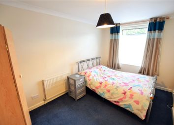 Thumbnail Room to rent in Underwood, Bracknell, Berkshire