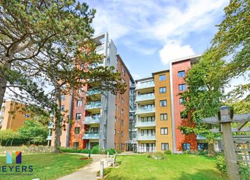 2 bed flat for sale in Parkstone Road, Parkstone, Poole BH15