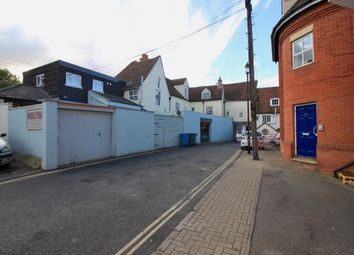 Thumbnail 4 bed flat to rent in North Hill, Colchester