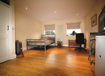 Thumbnail Studio to rent in Champion Road, Caversham, Reading