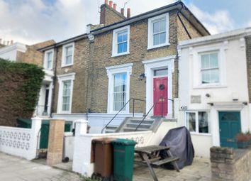 2 bed maisonette for sale in Southgate Road, London N1
