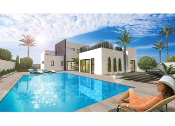 Thumbnail 4 bed villa for sale in Av. Mediterráneo 20., Torrevieja, Torrevieja