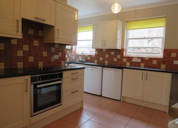 Thumbnail 3 bed flat to rent in Avenue Road, Leamington Spa
