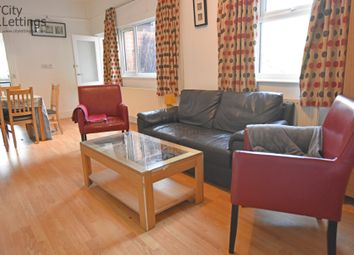 2 bed flat to rent in Forest Road West, Nottingham NG7