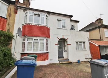 Thumbnail 2 bedroom flat to rent in Oakleigh Crescent, Whetstone, London