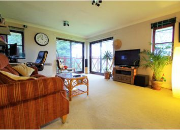 Thumbnail 1 bed flat for sale in Pincott Place, London