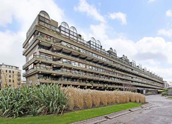 Thumbnail 1 bedroom flat to rent in Ben Jonson House, Barbican, London