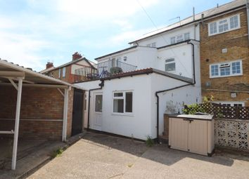 Thumbnail 2 bed flat for sale in Raymond Road, Maidenhead