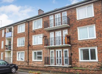 Thumbnail 2 bed flat to rent in Approach Road, West Molesey