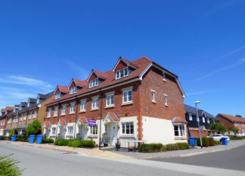 Thumbnail 3 bed town house for sale in Fulmar Crescent, Bracknell