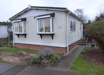 1 bed mobile/park home for sale in Meadowlands Park, Weybridge Road, Addlestone, Surrey KT15