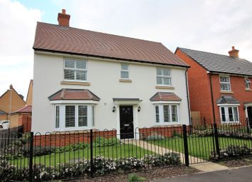Thumbnail 4 bed detached house for sale in Robins Path, Benfleet