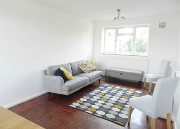 4 bed flat to rent in Blondel Street, London SW11