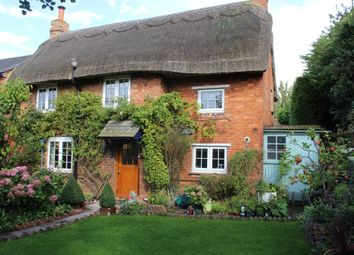 Thumbnail 2 bed cottage to rent in Queen Street, Weedon Bec