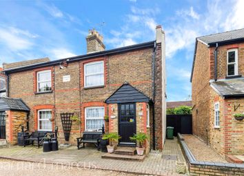 2 bed property for sale in Carters Road, Epsom KT17