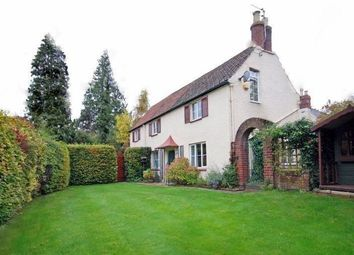 Thumbnail 3 bed detached house to rent in Balcarras Road, Cheltenham