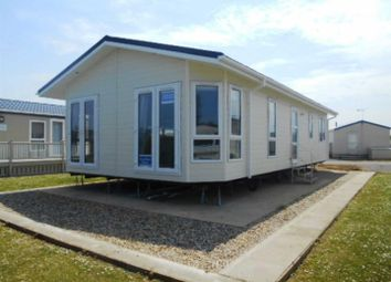 Thumbnail 2 bed mobile/park home for sale in Manor Road, Hunstanton
