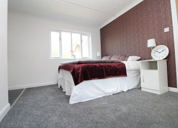 Thumbnail Studio to rent in High Street, St Mary Cray
