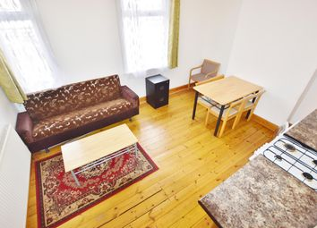 Thumbnail 2 bedroom flat to rent in Green Street, London