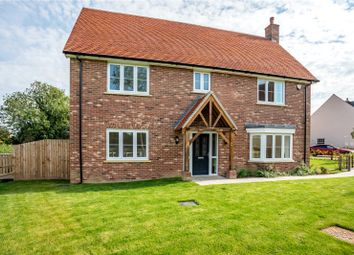 Coxtie Green Road, Pilgrims Hatch, Brentwood, Essex CM14. 4 bed detached house