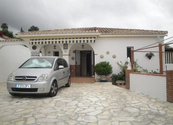 Thumbnail 6 bed villa for sale in La Capellania, Málaga, Spain