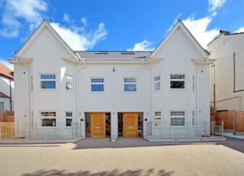 Thumbnail 3 bed flat for sale in Colney Hatch Lane, Muswell Hill