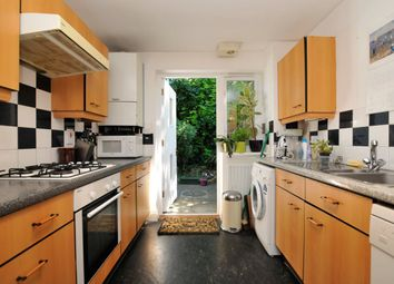 Thumbnail 2 bed flat to rent in Crusoe Mews, London