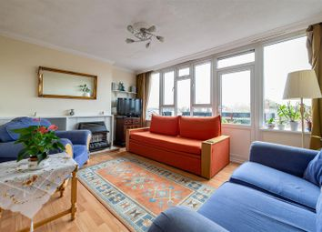 3 bed maisonette for sale in Raglan Road, London E17