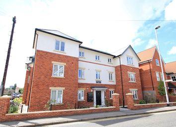 Thumbnail 1 bed flat to rent in Gosbrook Road, Caversham, Reading