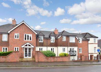 2 bed flat for sale in High Street, Billingshurst, West Sussex RH14