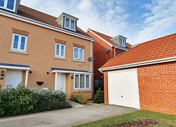 Thumbnail 4 bed semi-detached house for sale in Parkland Crescent, Kingswood, Hull