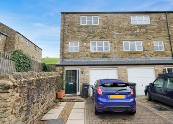 3 bed town house for sale in Jubilee Way, Todmorden OL14