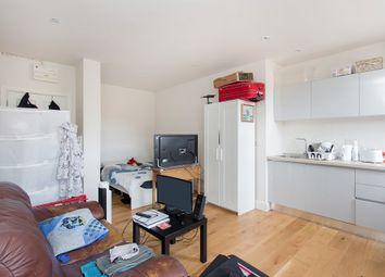 Thumbnail Studio to rent in High Street, London