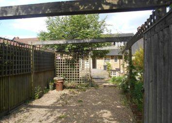 Thumbnail 4 bed flat to rent in Watling Street, Radlett