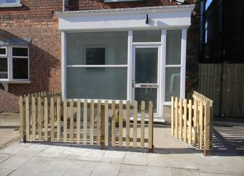2 bed flat to rent in Church Street, Gainsborough DN21