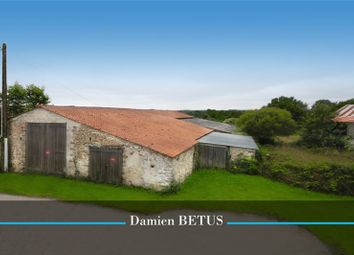 Thumbnail Barn conversion for sale in Pays De La Loire, Vendée, Landeronde