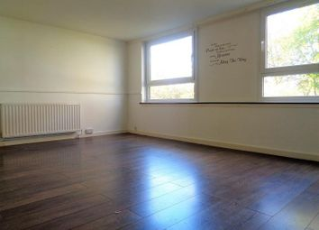 Thumbnail 3 bed flat to rent in Waverley Drive, Glenrothes