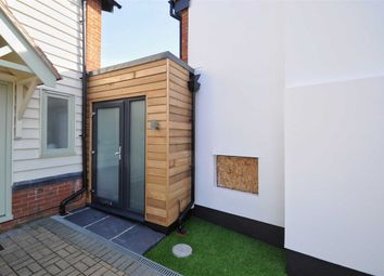 1 bed flat to rent in Hogges Close, Hoddesdon, Hertfordshire EN11
