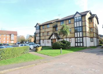 Thumbnail 2 bedroom flat to rent in Calshot Court, Osbourne Road, Dartford