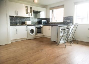 Thumbnail 1 bed flat to rent in Granville Square, London