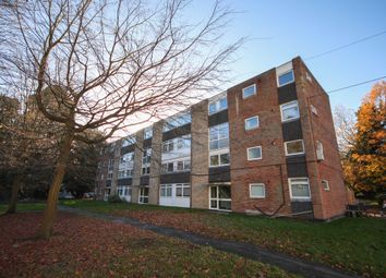 Thumbnail 3 bed flat to rent in Woodlands, Fleet
