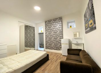 Thumbnail Room to rent in Hartington Road, West Ealing, London