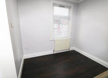 Thumbnail Studio to rent in Blythswood Road, Seven Kings, Ilford