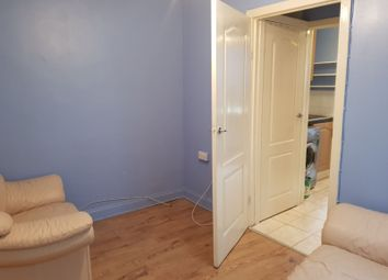 Thumbnail Studio to rent in Maynard Close, Erith