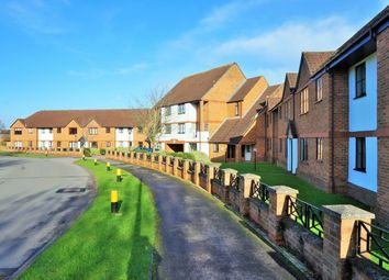 Thumbnail 3 bed flat for sale in Ridge Green, Swindon