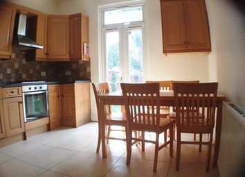 4 bed flat to rent in Woodgrange Avenue, Ealing Common, London W5