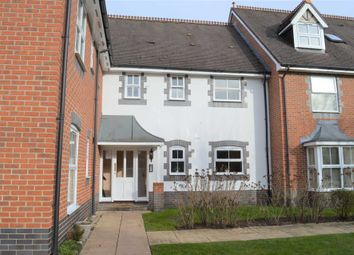 Thumbnail 1 bed flat to rent in Kennet Way, Hungerford
