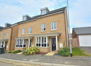 Thumbnail 4 bedroom town house to rent in Summers Hill Drive, Papworth Everard, Cambridge